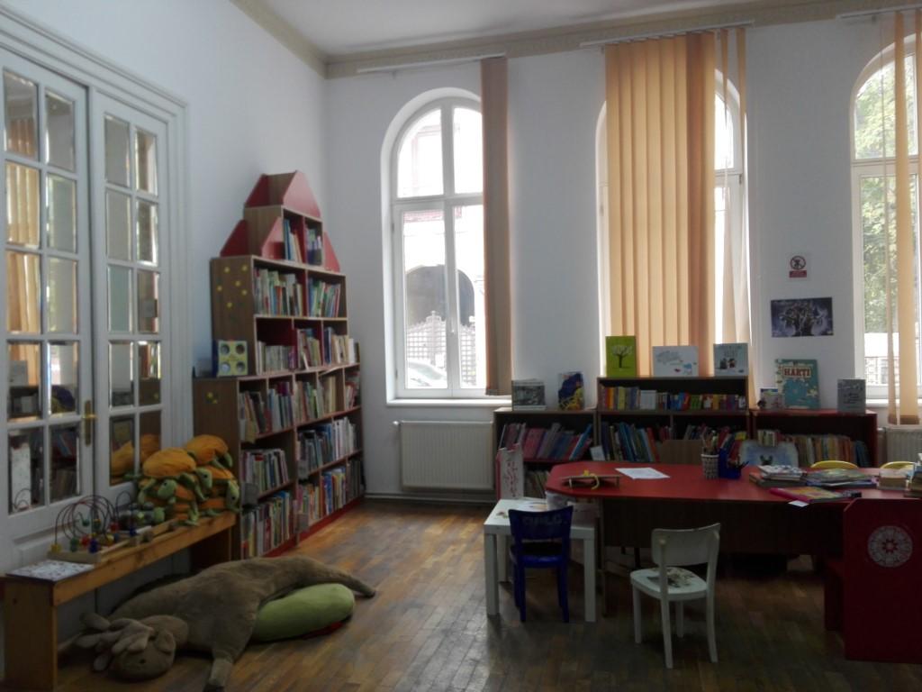 tranzacționarea bibliotecilor electronice)