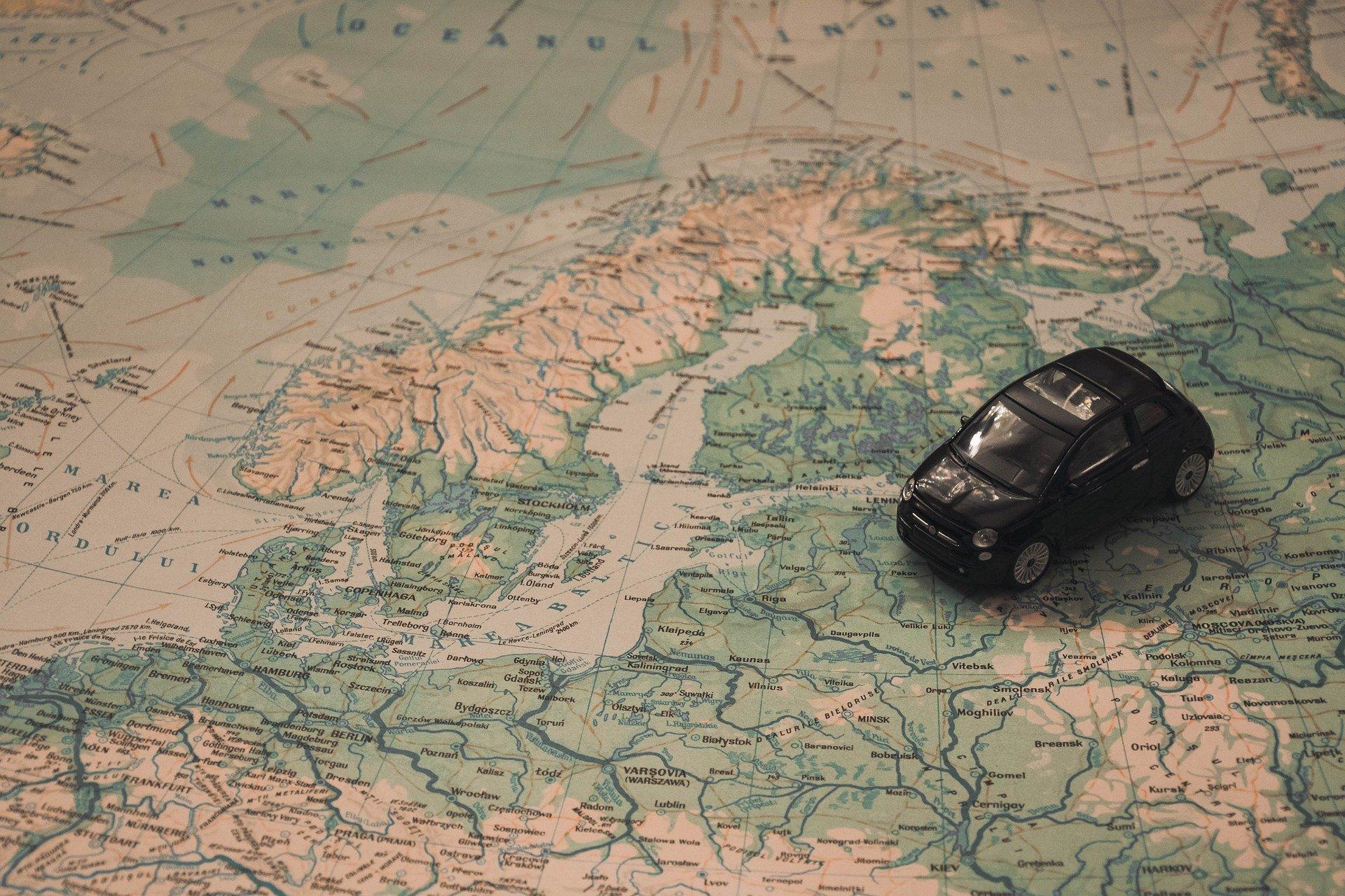 trimite de călătorii de călătorie trio